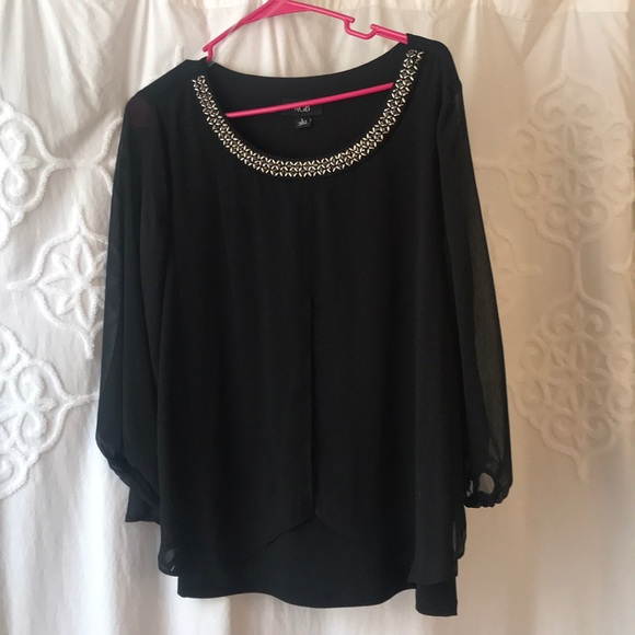AGB Tops - Flowy black blouse